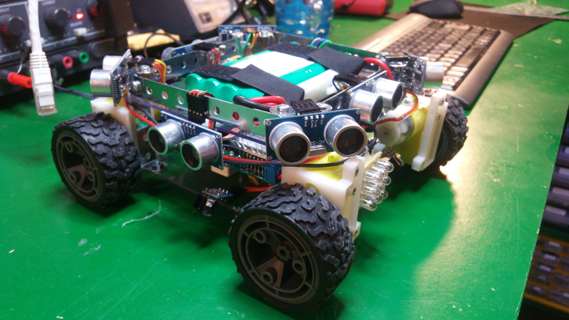 https://steelsquid-58e13.firebaseapp.com/pics/mini-rover-01.jpg